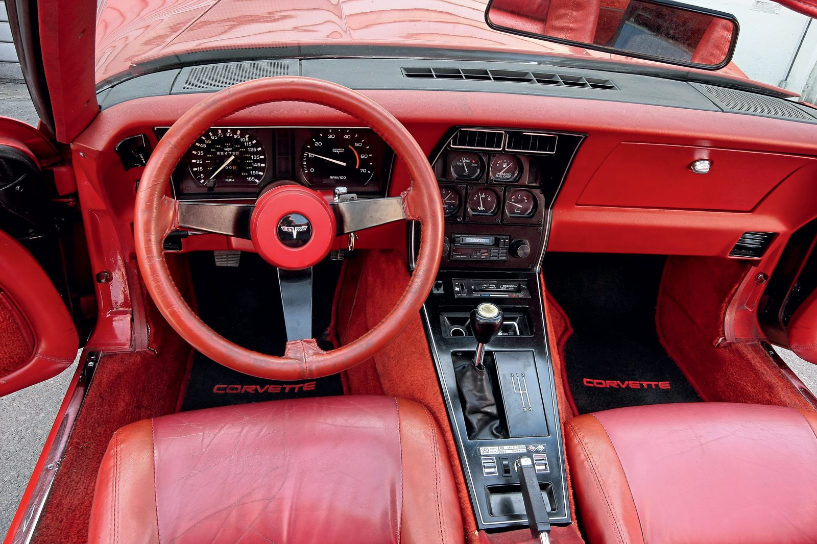 Chevrolet Corvette C3 interieur