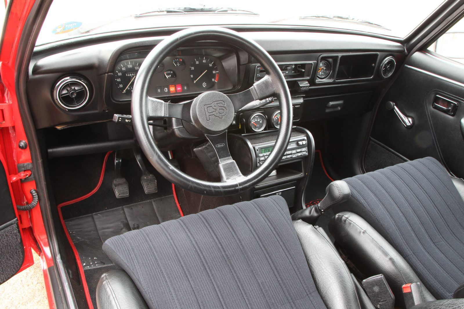 Ford Escort RS2000 interieur
