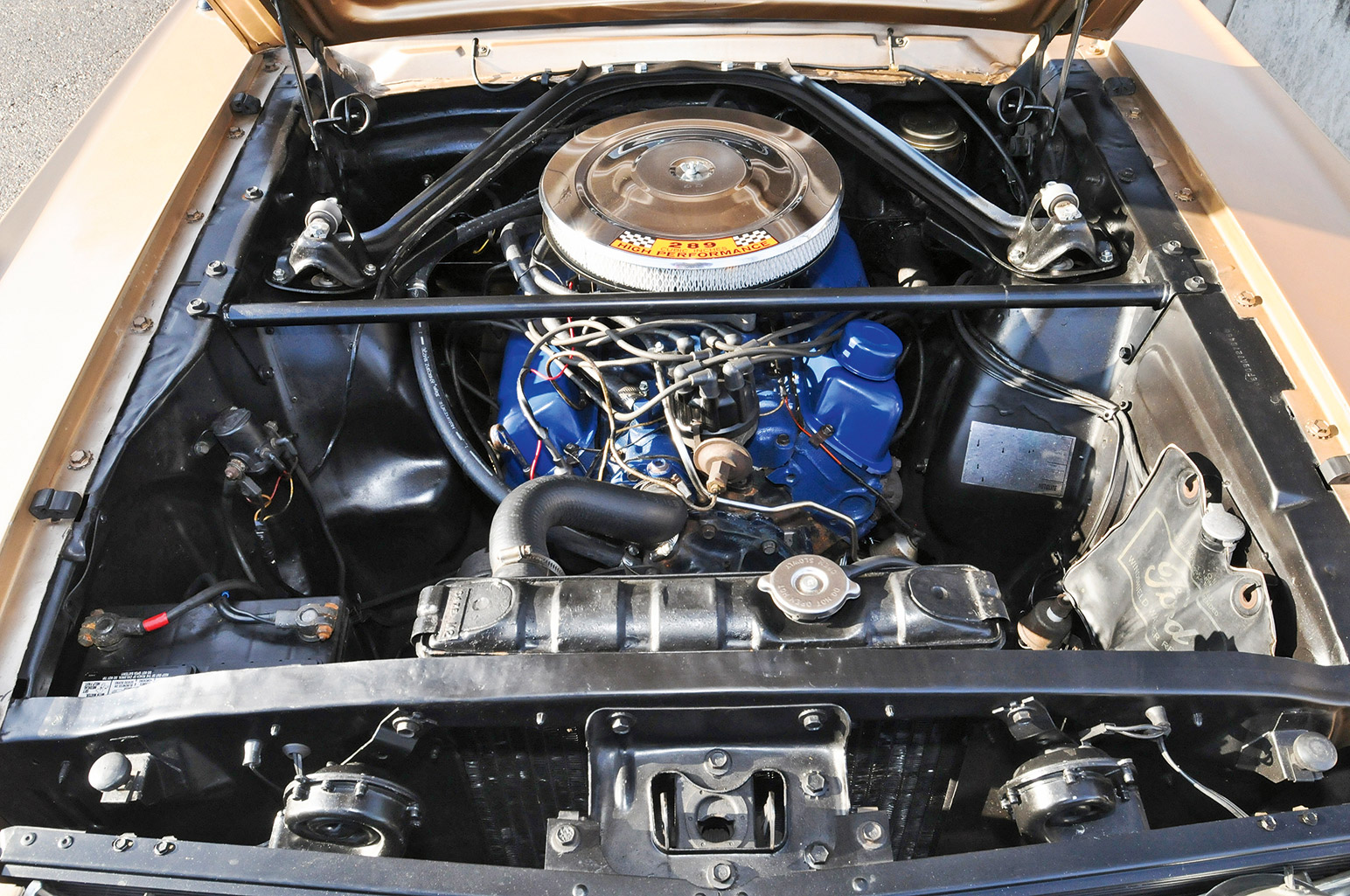 Ford mustang motor