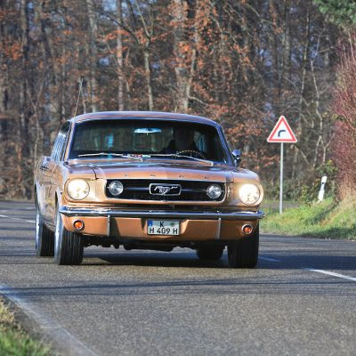 Ford mustang fastback voorkant