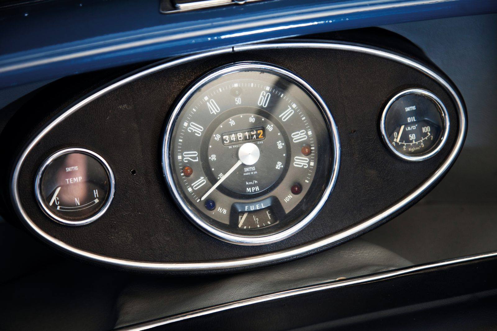Austin Mini Countryman dashboard