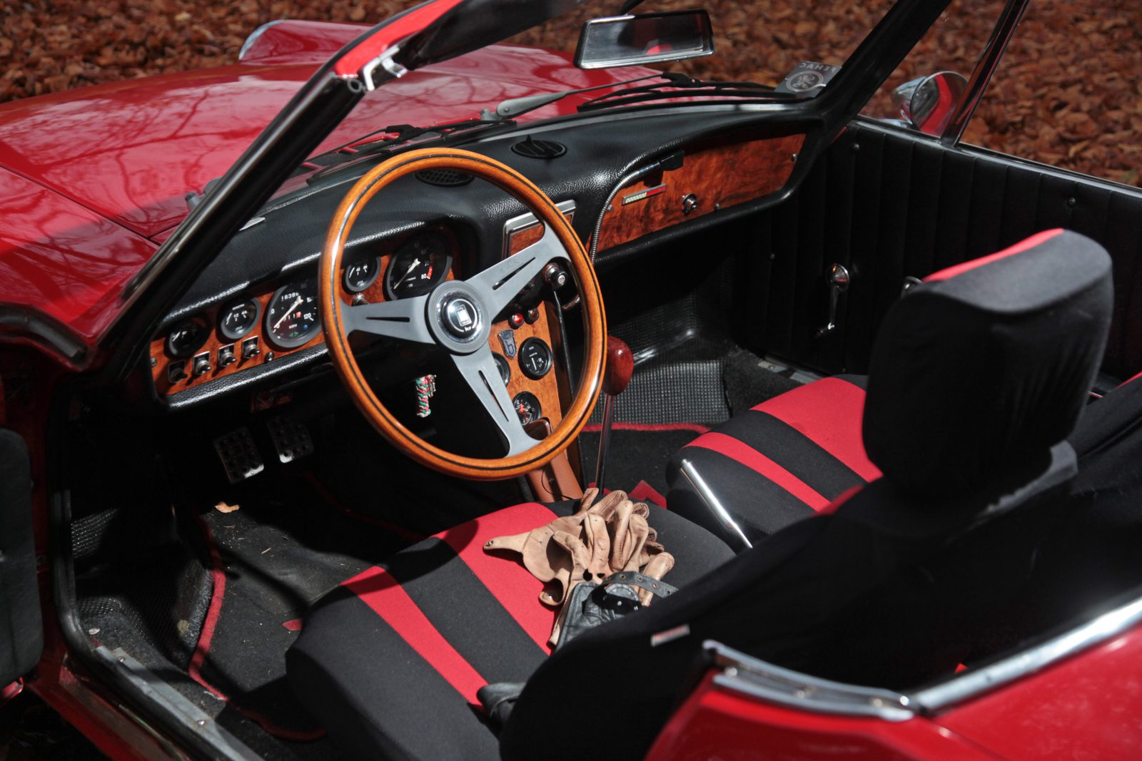 Fiat 850 Spider interieur