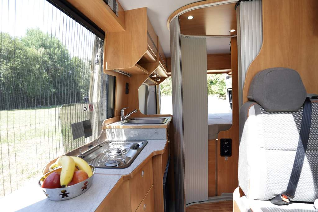 citroen-type-h-wildcamp_interior