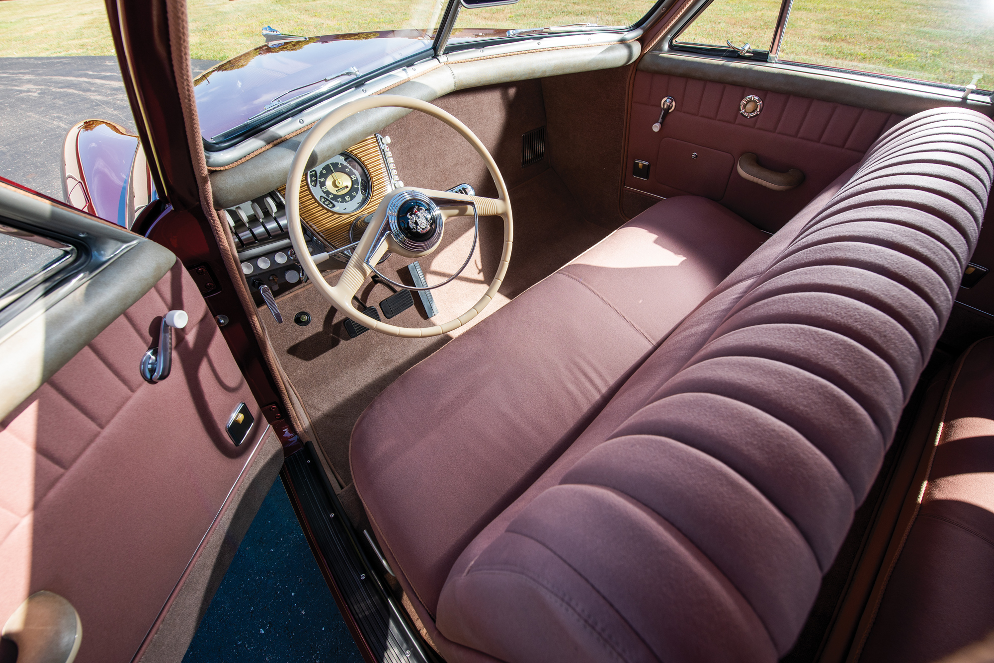 tucker_sedan_dashboard