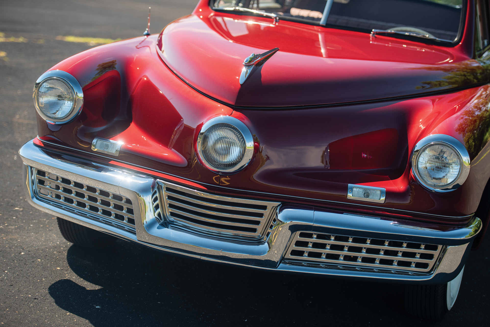 tucker_sedan_headlight