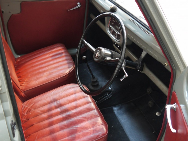 Austin_A35_Phil_Collins_interior