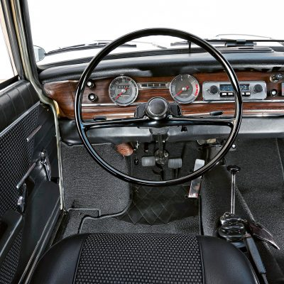 BMW LS Coupé dashboard