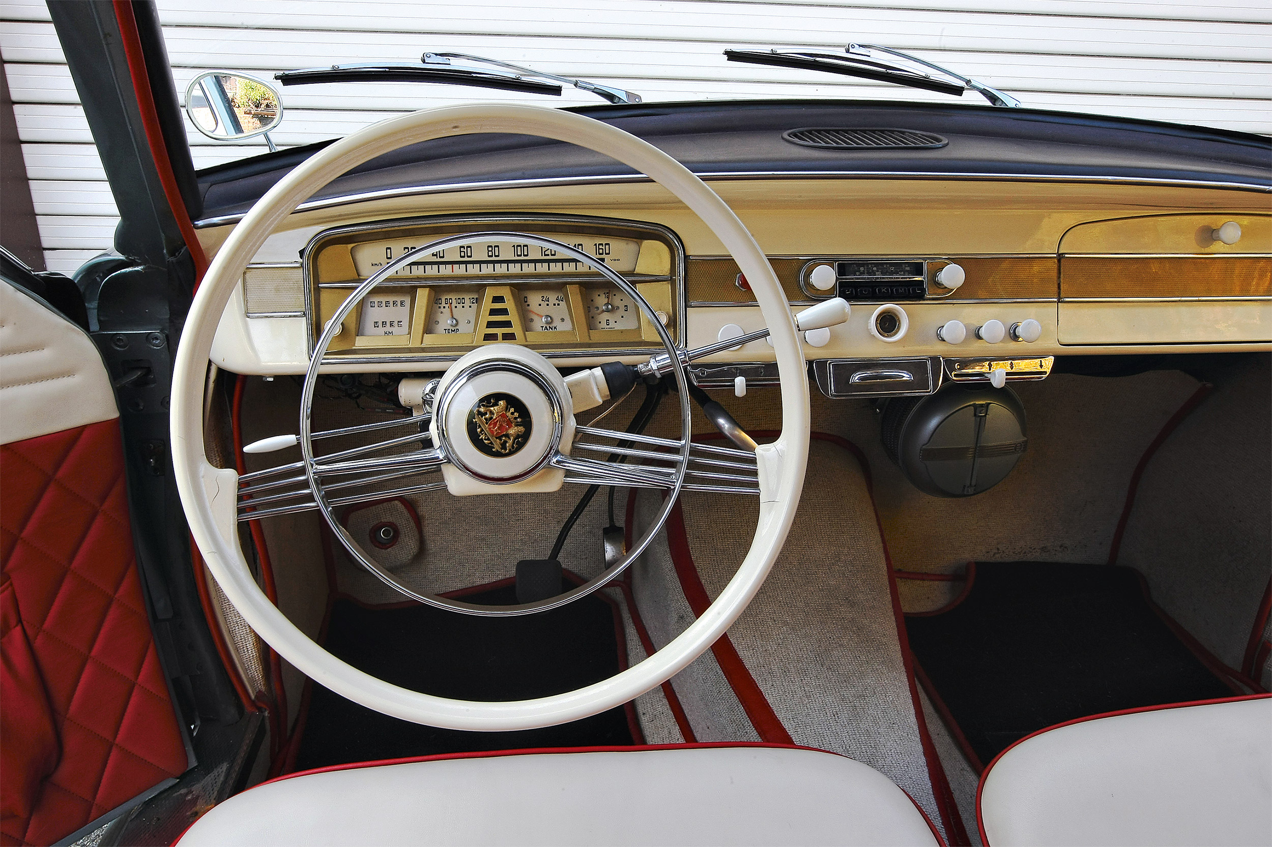Borgward Isabella dashboard