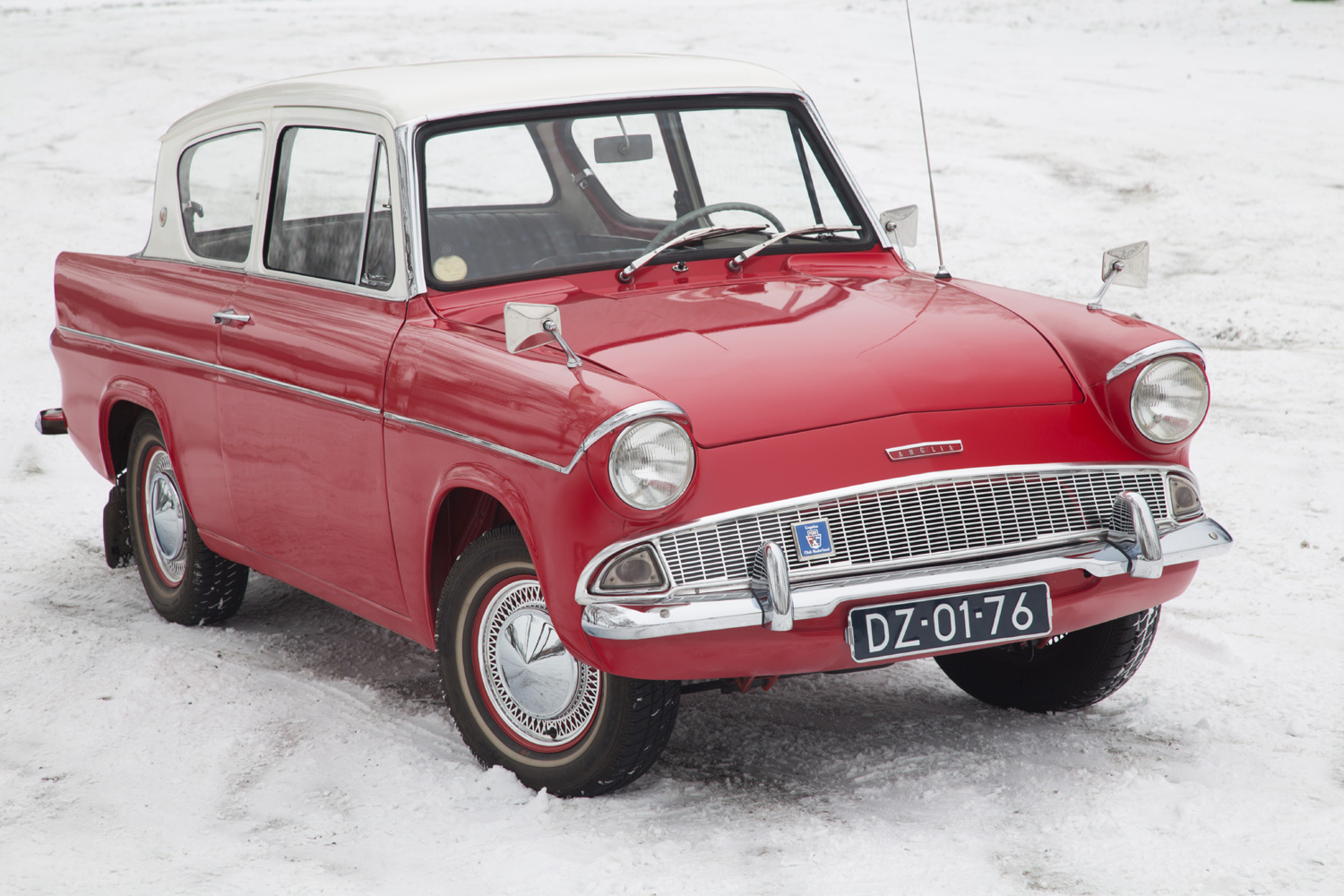 Ford-Anglia_grille
