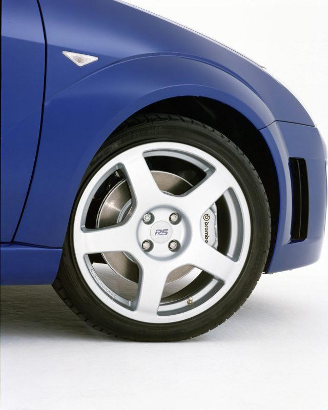 Ford-Focus_RS_wheel