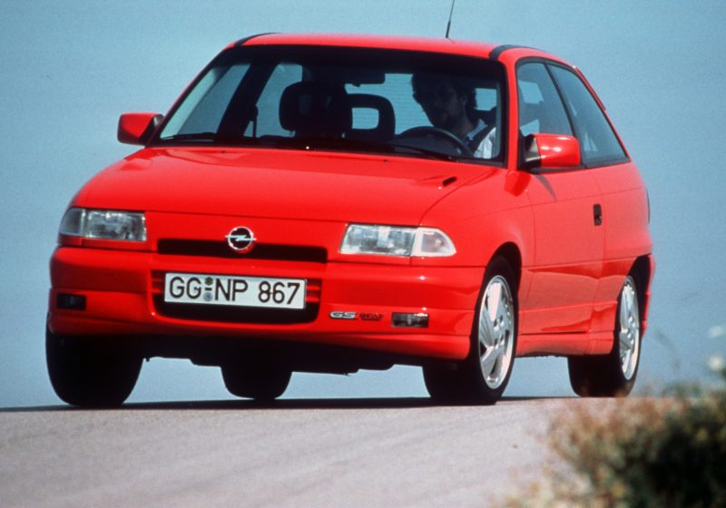 opel_astra_gsi_red-1