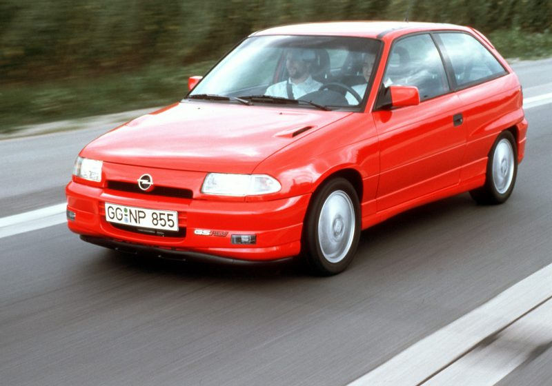 opel_astra_gsi_red_2